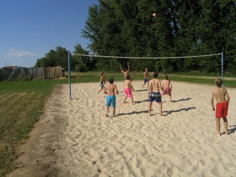 Chicos Jugando Volley